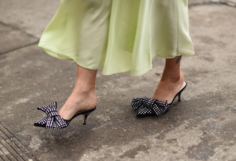 6735044349374d Trendy 2019: Modne i wygodne buty na wesele, w których przetańczysz całą  noc!
