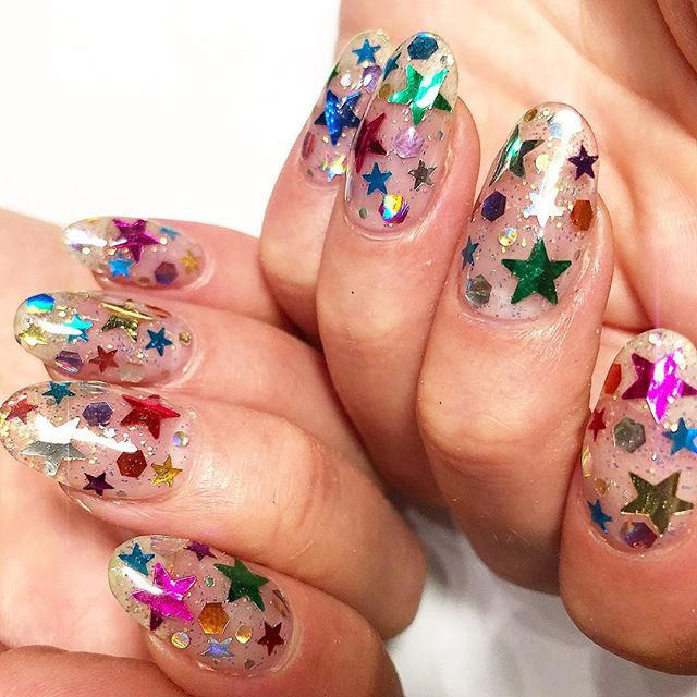 Trendy manicure 2019: Confetti Nails