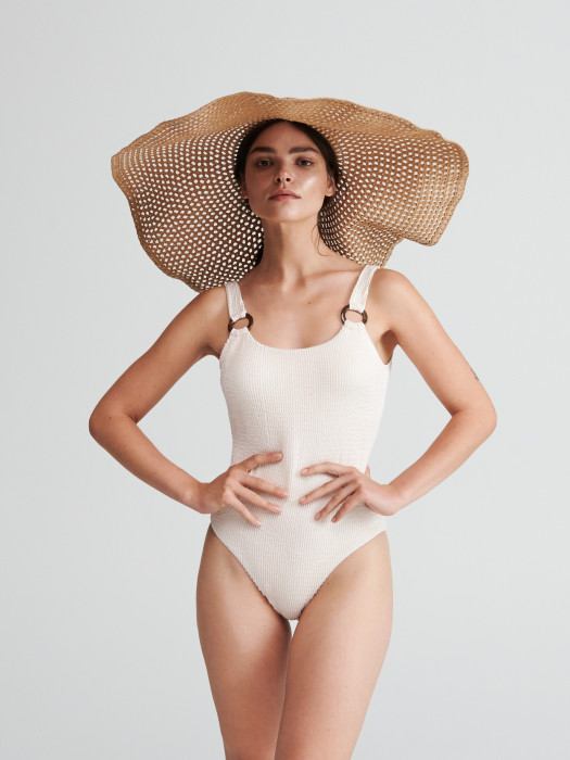 8c3524dda07eb8 Trendy 2019: Stroje kąpielowe jednoczęściowe, które kupicie za mniej niż  100 zł