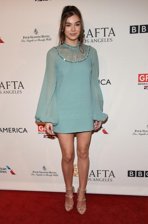 Hailee Steinfeld - BAFTA 2017: stylizacje gwiazd z ogłoszenia nominacji do nagród