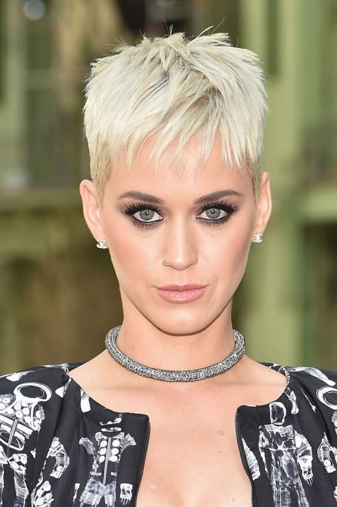 Krótkie Fryzury 2019 Krótkie Blond Włosy Krótkie Fryzury